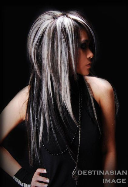 Layered-Straight-Black-Hair-With-Blonde-Highlights
